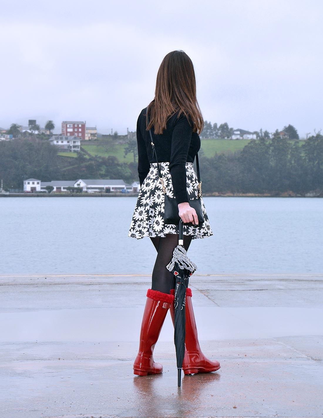 simplymathilda-black-white-and-red-22